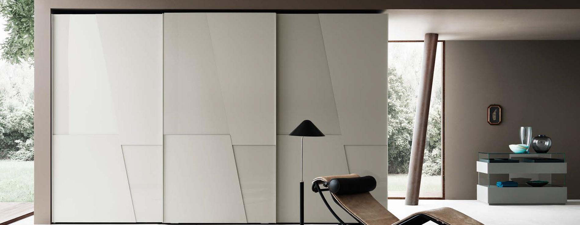 Armadio scorrevole con anta diagonal san giacomo for Mobili di design san francisco