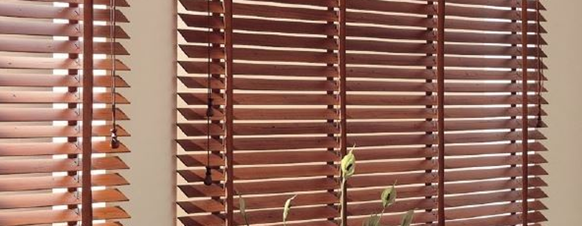 Tende veneziane tende da esterni centro mobili for Veneziane in legno ikea