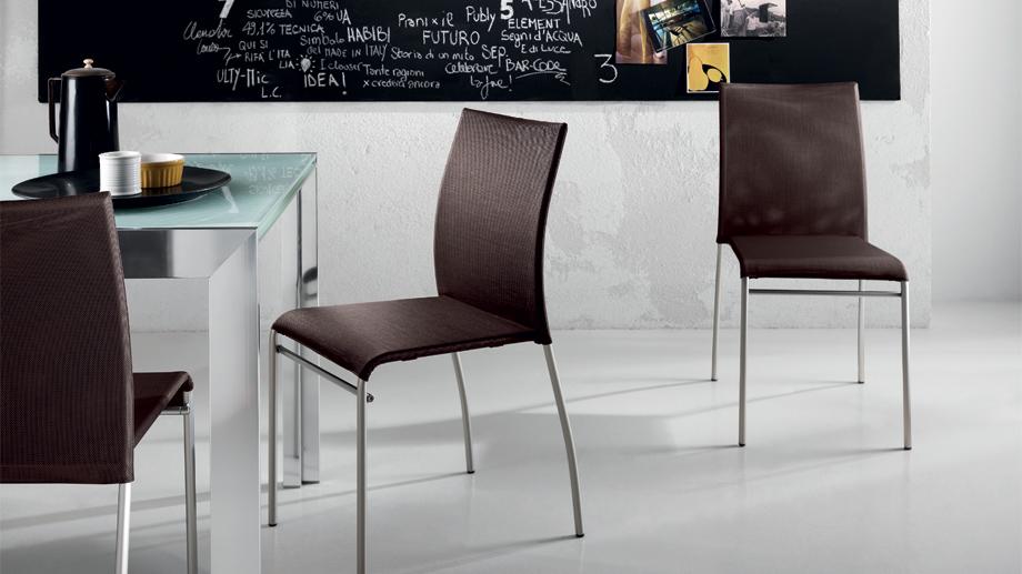 Avenue sedie e sgabelli scavolini centro mobili for Sedie e sgabelli