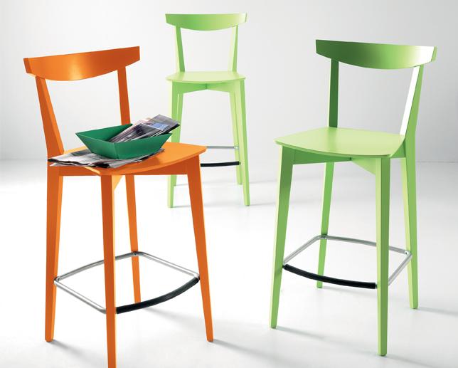 Mid sedie e sgabelli scavolini centro mobili for Sedie e sgabelli