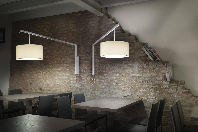 Lampada da parete con braccio allungabile unico lampada da parete