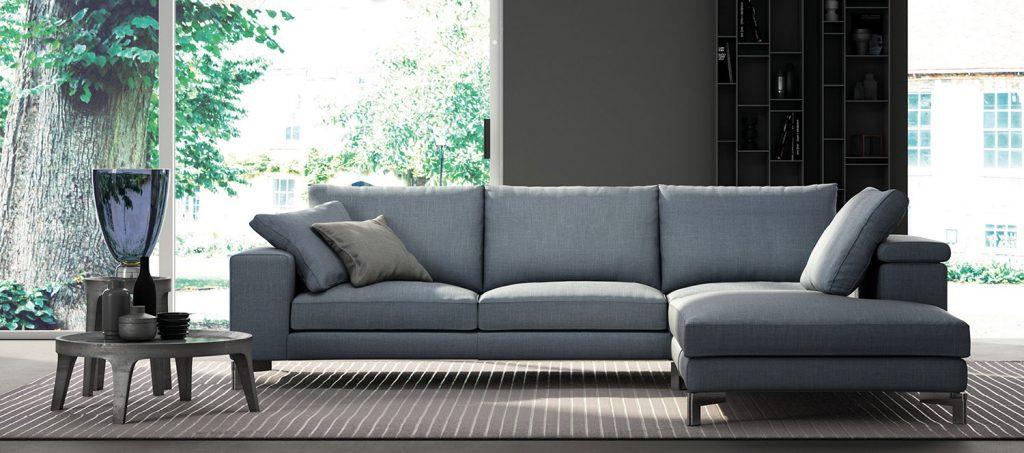 Divano silver di biba divano con seduta tavolino for Centro italiano mobili